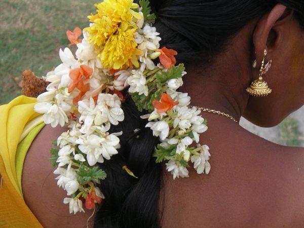 Signification De Porter Des Fleurs Dans Les Cheveux