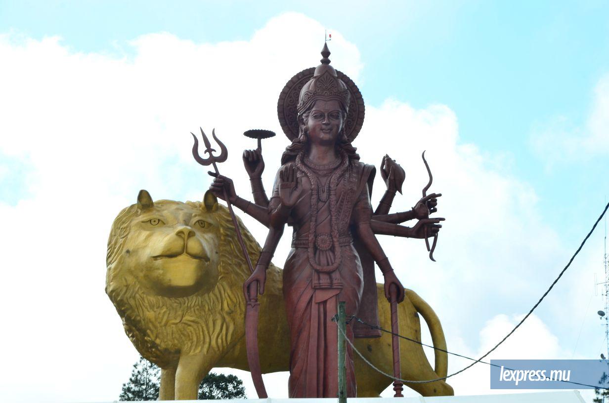 Grand-Bassin: la déesse Durga dans toute sa splendeur