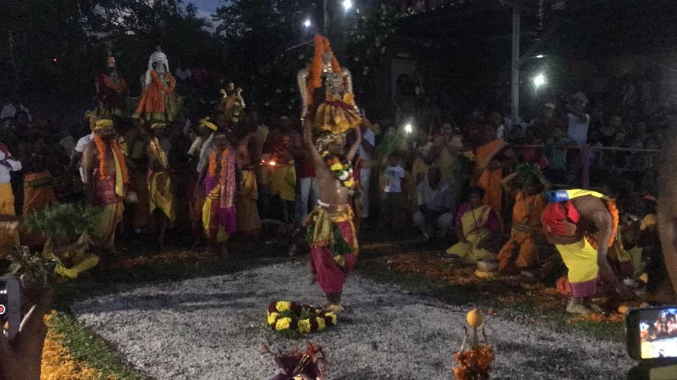 MARCHE SUR LE FEU 2018 AU TEMPLE DRAUPADI MAISON ROUGE DE ST-LOUIS
