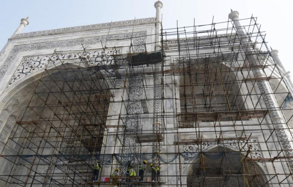 Inde: Le Taj Mahal jaunit et les travaux de rénovation sont interminables