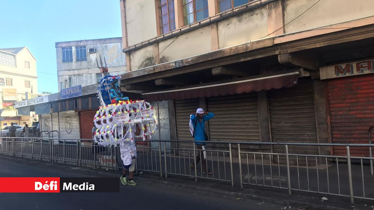 MAURICE : DEUX PÈLERINS DÉJÀ EN ROUTE VERS GRAND-BASSIN