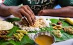 POURQUOI LES INDIENS MANGENT AVEC LA MAIN ?
