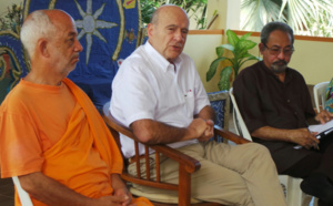Alain Juppé à la rencontre du groupe de dialogue interreligieux
