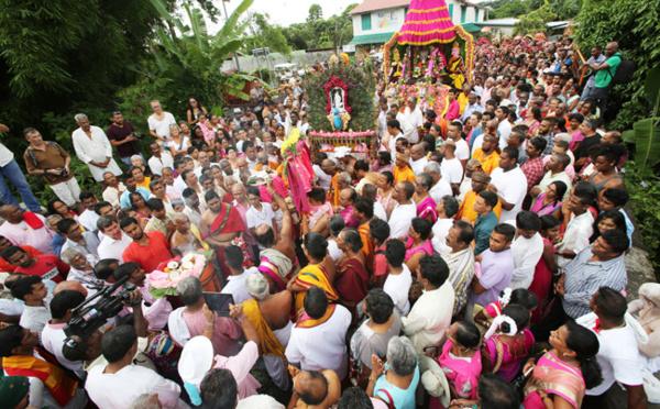 Les premières photos du Thaipusam Cavadee 2016 de St-André (Réunion)